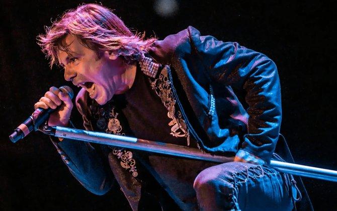 Iron Maiden frontman will sell planes.