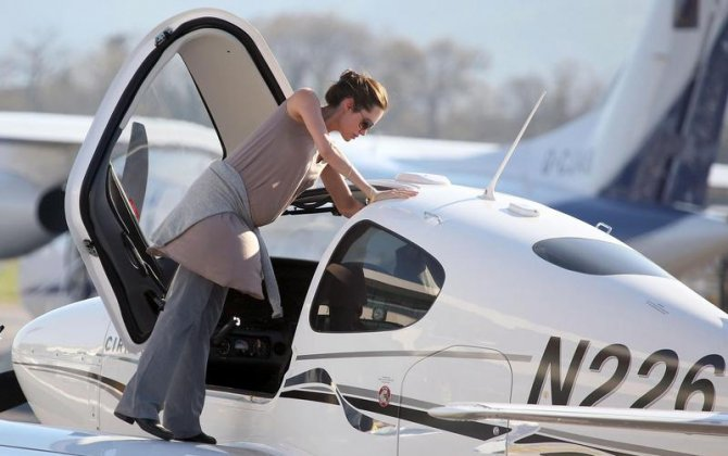 Celebrity Pilots - do you know them - Angelina Jolie
