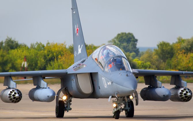 Russia signed a contract with Belarus for delivery of Yak-130 jets at MAKS-2015 airshow