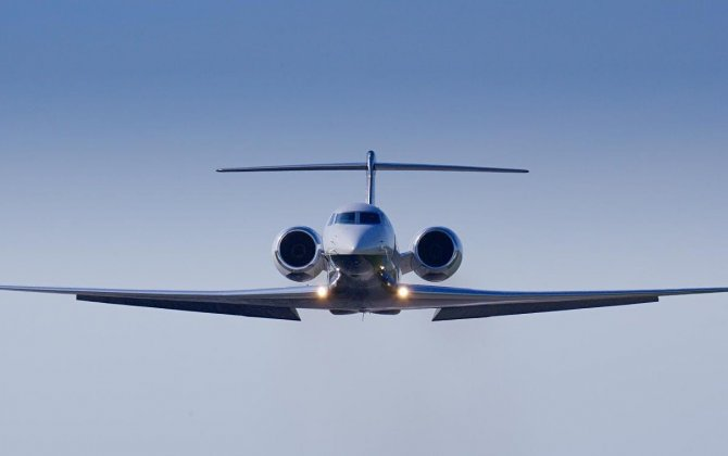 Gulfstream streams seamlessly into the Gulf