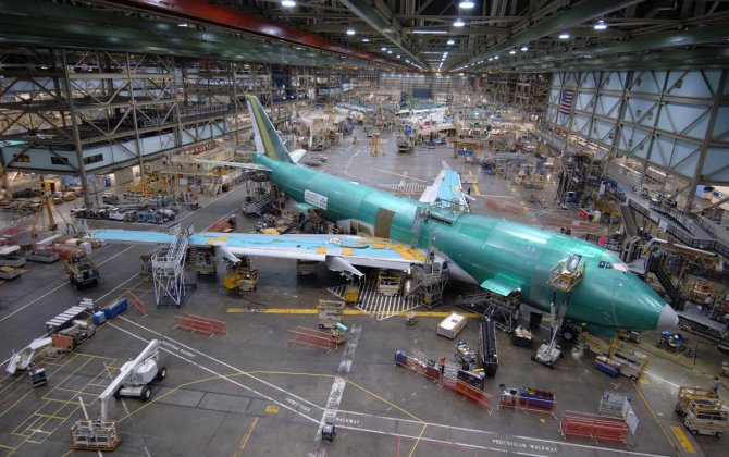 Boeing sticks with 747 production plans despite sales drought