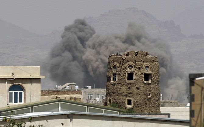 Saudi-led coalition jets kill 20 at a wake in Yemen: residents