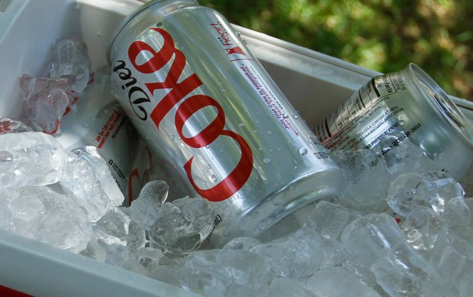 coke research Before the development of synthetic local anesthetic, surgeons used cocaine to block pain 1 however, research has since shown that cocaine is a powerfully addictive substance that can alter brain structure and function if used repeatedly.