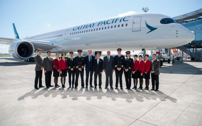 Cathay Pacific becomes second operator of the A350-1000 widebody /Cathay Pacific devient le deuxième opérateur du gros-porteur A350-1000 /国泰航空成为A350-1000宽体的第二个运营商