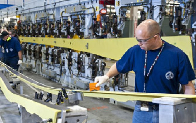 Boeing Machinists in U.S. Fear Job Loss from China Factory