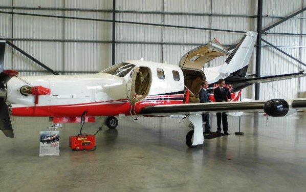 FLYING Smart opens new base at Biggin Hill