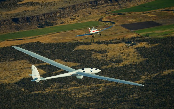 Glider makes successful first flight, begins journey to 2016 world record flight to 90,000 feet without an engine