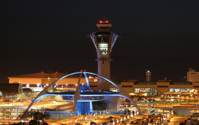 Six Passengers Were Kicked Off Plane at LAX Accused Of Being Unruly, They Claim Discrimination