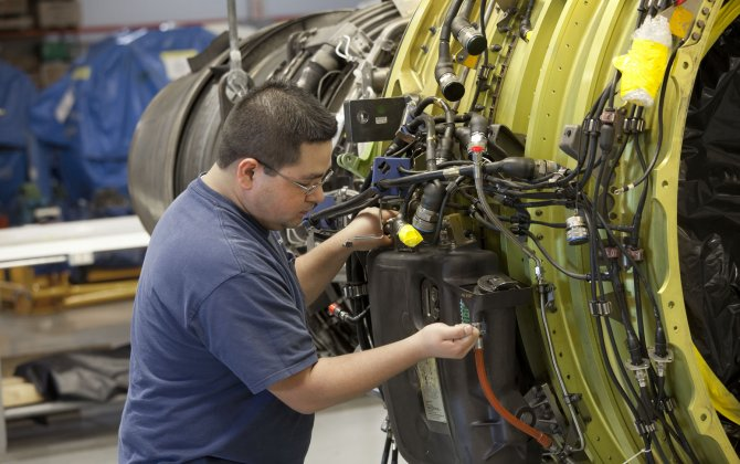 Emirates signs $16bn engine services deal with GE Aviation