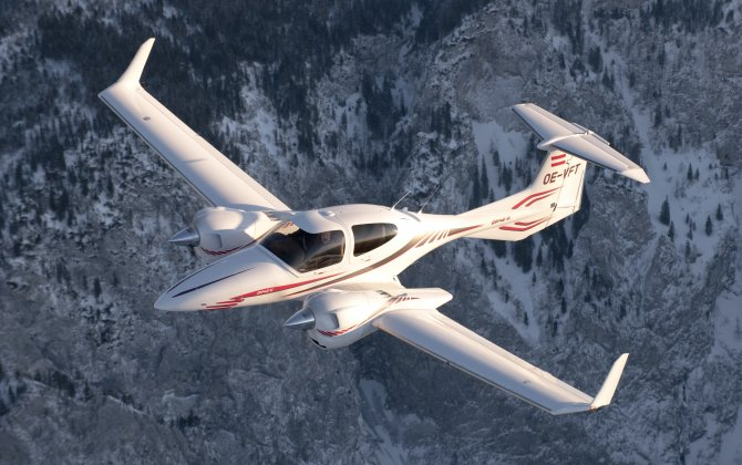 Embry-Riddle orders 10 more DA42s for pilot training