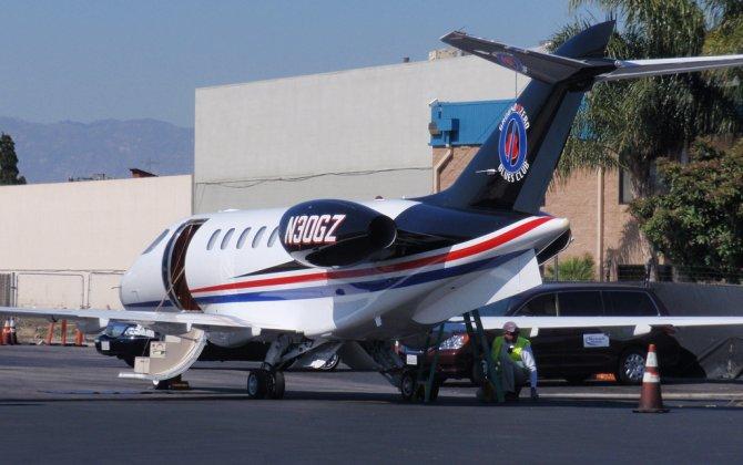 Burst tyre and hydraulic problem blamed for emergency landing of Morgan Freeman's SJ30