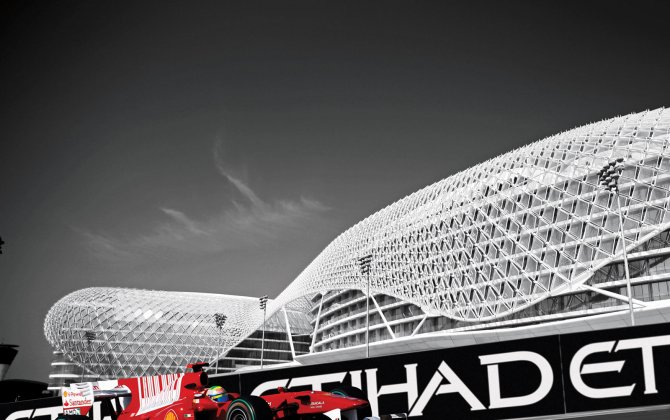 Attention - FLYBY - 2015 Formula 1 Etihad Airways Abu Dhabi Grand Prix