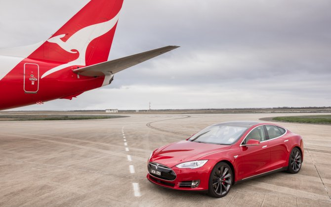 A Qantas Plane Races a Tesla in Cross-Promotion to Push Sustainability
