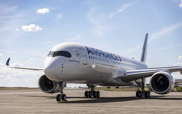 Accelerated fleet renewal with 10 additional Airbus A350-900s for Air France