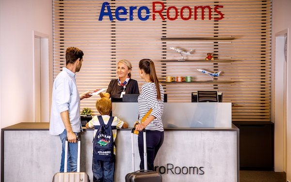 AeroRooms Hotel and increased capacities of Airport Lounges - welcome to Prague Airport