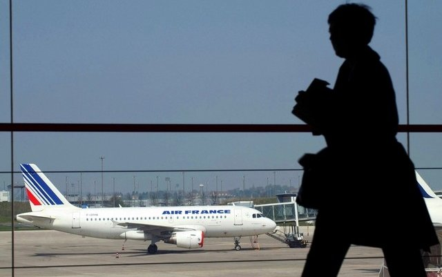 Air France says bookings will fall further in wake of terror attacks