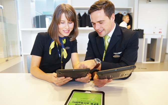 airBaltic Crew Goes Green With iPads