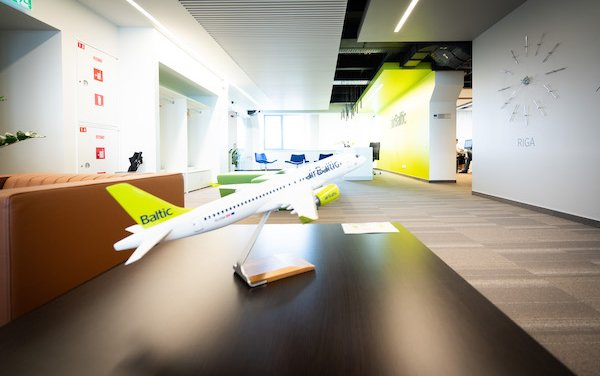 airBaltic first to implement Sustainable Flight Approaches at Riga Airport
