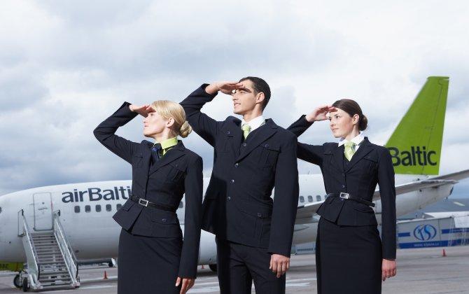 """airBaltic – """"Open Door"""" for New Crew"""