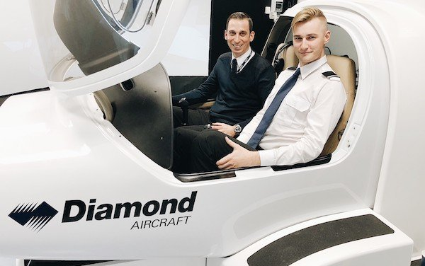 airBaltic Pilot Academy Receives Diamond Flight Simulator