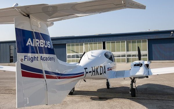Airbus trains with Diamond Aircraft DA42-VI