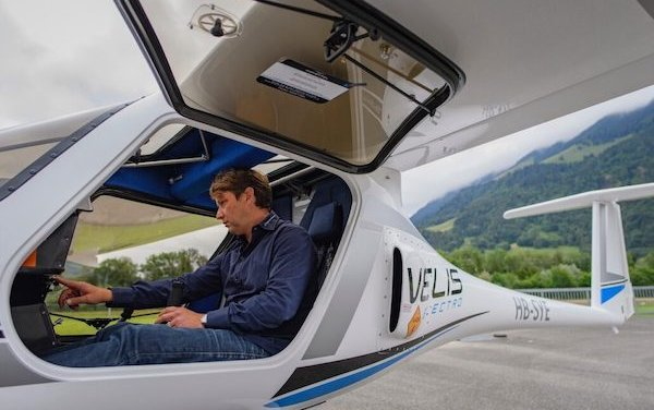 AlpinAirPlanes took delivery of first Velis Electro