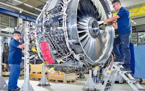 An exclusive V2500 contract between MTU Maintenance and JetBlue Airways