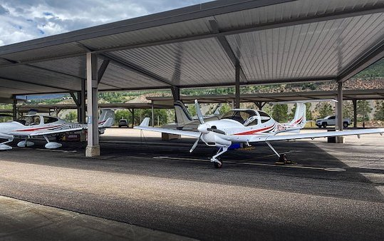 Aspen Flight Academy welcomes two new DA40 NG