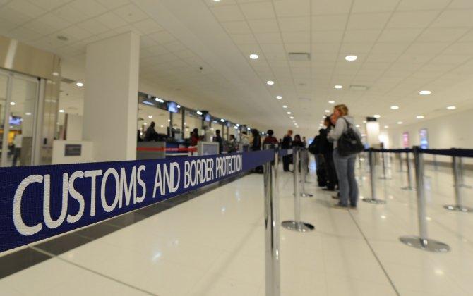 Australian customs & immigration workers begin strikes