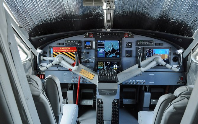 Avmax Certifies Lithium-ion Battery on Twin Otter Aircraft