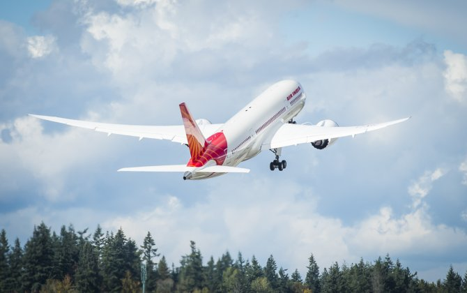 Boeing, Air India Celebrate Airline's 125th Delivery
