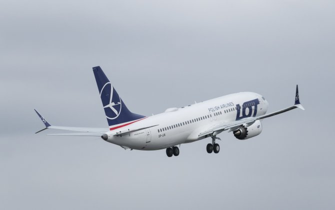 Boeing, LOT Polish Airlines Celebrate Delivery of 737 MAX