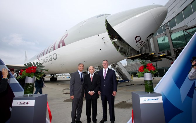 Boeing, Qatar Airways Announce Order for Two 747-8 Freighters and Four 777-300ERs
