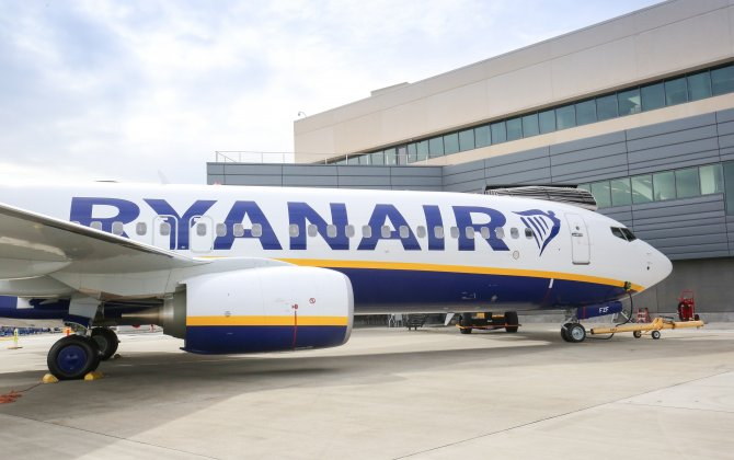 Boeing, Ryanair Celebrate Delivery of Airline's 450th Next-Generation 737-800