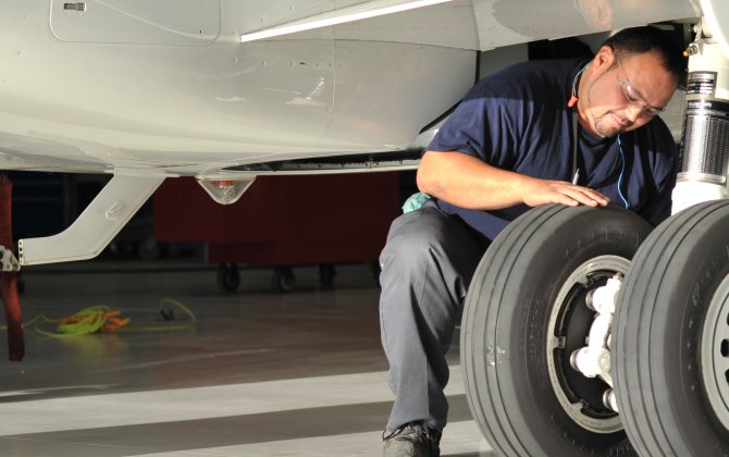 Bombardier Celebrates 40 Years of Aircraft Heavy Maintenance Operations in Tucson
