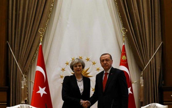 Britain, Turkey sign defense deal to develop Turkish fighter jet