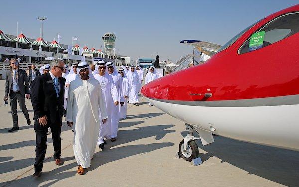 BUSINESS AVIATION DESCENDING INTO DUBAI
