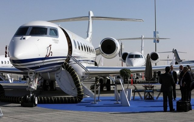Business jet sales in biggest decline in five years after oil price fall