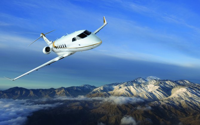 Challenger 350 dominates 2017 deliveries in super midsize segment; tops medium category