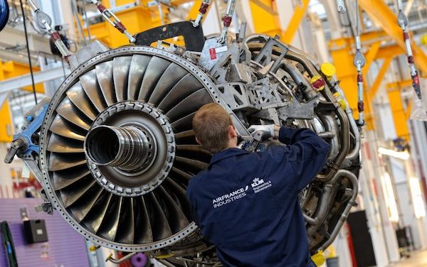 China Airlines and AFI KLM E&M sign major GE90 engine support contract