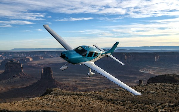 Cirrus Aircraft new flight training facility and innovation centers in Arizona and Texas