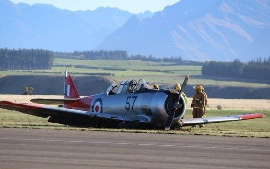 Classic Harvard plane crashes after Warbirds Over Wanaka