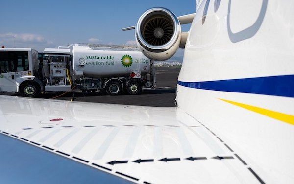 Clermont Ferrand Airport take off with Air bp sustainable aviation fuel