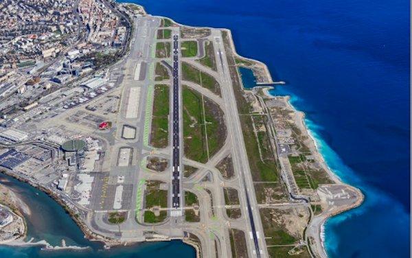Decarbonization of air transportation: Nice-Paris flight fueled with 30% SAF