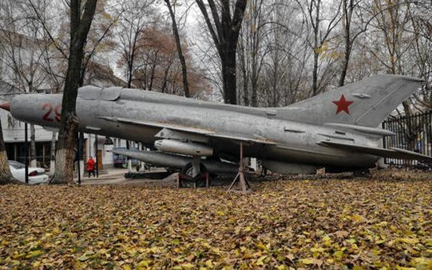 Designer of Soviet MiG jet fighters Mikoyan dies at 89