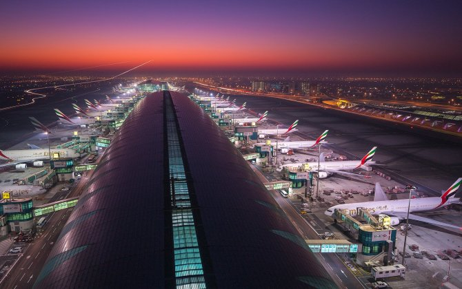 Drone closes busy Dubai International Airport for an hour