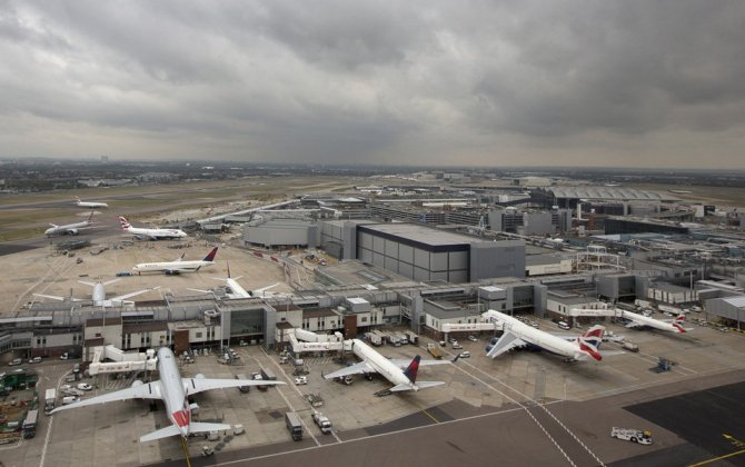Dubai Airports CEO Says Heathrow's Runway '50 Years Too Late'