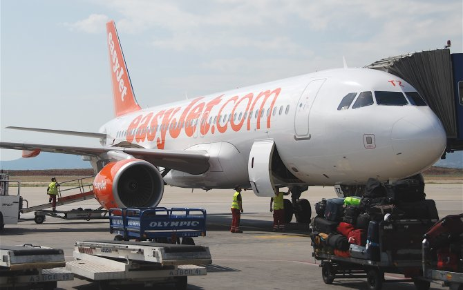 easyJet takes delivery of new, more efficient 186 seat A320
