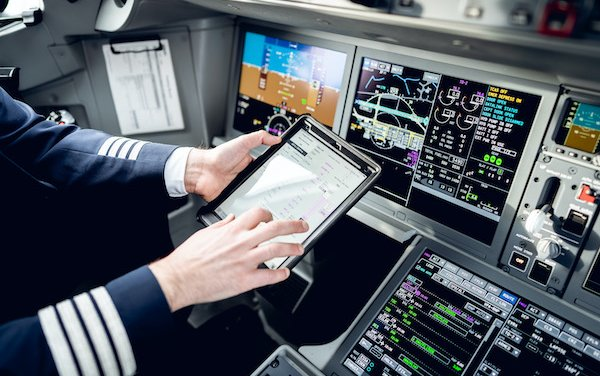 Electronic Flight Plans for pilots - introduced by airBaltic