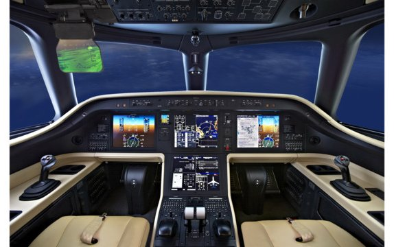 Embraer awarded certification of head-up display and enhanced vision system for Legacy 450 and Legacy 500